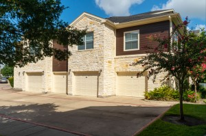 Apartments in Katy, TX - Exterior Apartment Building with Attached Garages (4)